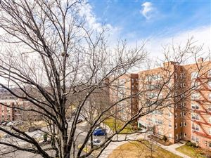 Photo of 76 Dehaven Drive, Yonkers, NY 10703 (MLS # 4805395)