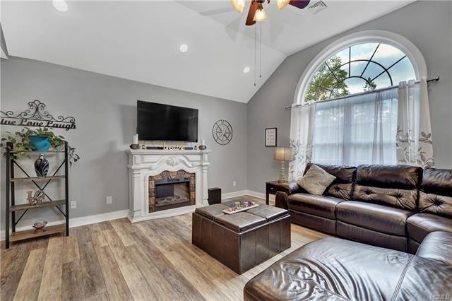 Photo of 9 Glenn Terrace, Otisville, NY 10963 (MLS # 5089414)