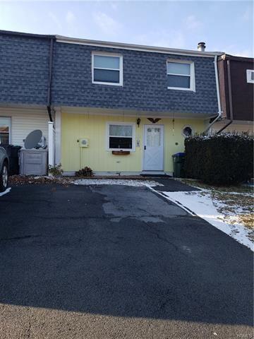 Photo of 8 Old Anvil Lane, Middletown, NY 10940 (MLS # 6013437)