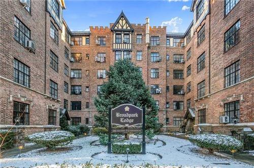 Photo of 2 Westchester Avenue #1Q, White Plains, NY 10605 (MLS # 5125452)