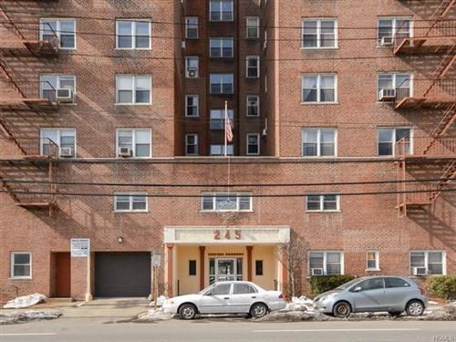 Photo of 245 Bronx river Rise #8G, Yonkers, NY 10704 (MLS # 5125453)