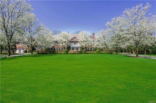 Photo of 5 Stoneleigh Manor Lane, Purchase, NY 10577 (MLS # 6002470)