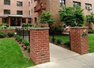 Photo of 60 White Oak Street #1D, New Rochelle, NY 10801 (MLS # 5007474)
