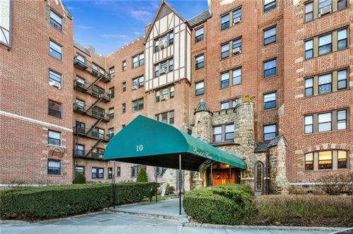 Photo of 10 Nosband Avenue #6J, White Plains, NY 10605 (MLS # 5127493)