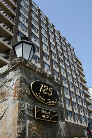 Photo of 125 Lake Street #12-L North, White Plains, NY 10604 (MLS # 5124551)