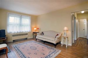 Photo of 2 Bryant Crescent #2J, White Plains, NY 10605 (MLS # 5118562)