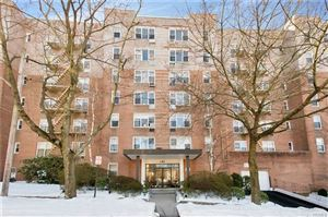Photo of 1 Oakridge Place, Eastchester, NY 10709 (MLS # 4806566)