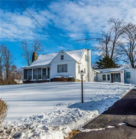 Photo of 452 State Route 32, Wallkill, NY 12589 (MLS # 5124620)