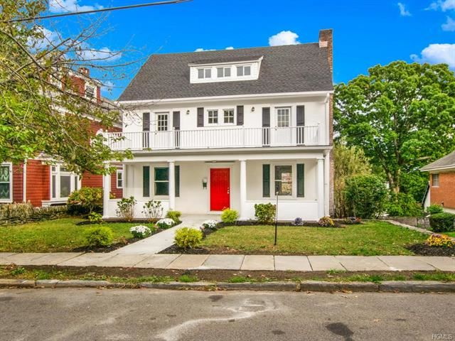 Photo of 48 Hillcrest Avenue, Yonkers, NY 10705 (MLS # 5125636)
