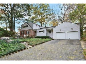 Photo of 72 Wood Hollow Lane, New Rochelle, NY 10804 (MLS # 4801667)