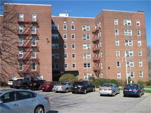 Photo of 682 Tuckahoe Road, Yonkers, NY 10710 (MLS # 4612688)