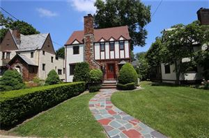 Photo of 11 Huntwood Place, Mount Vernon, NY 10552 (MLS # 4825704)