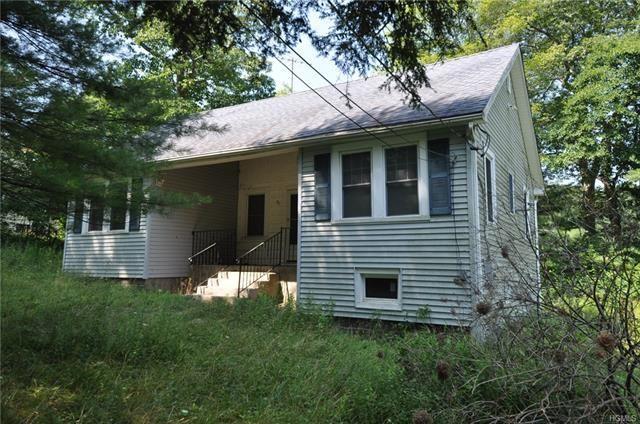 Photo of 43 Dogwood Road, Wurtsboro, NY 12790 (MLS # 5123735)