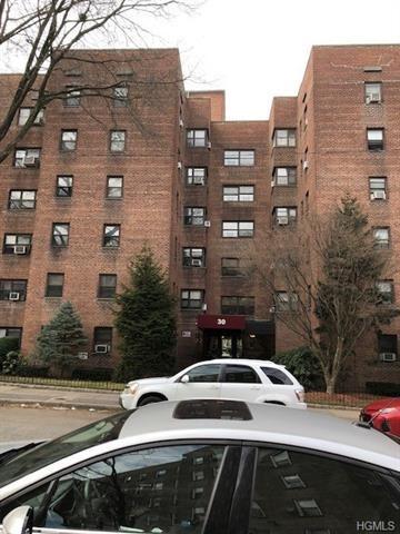 Photo of 30 Fleetwood Avenue #2C, Mount Vernon, NY 10552 (MLS # 6001797)