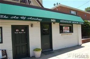 Photo of 921 West Boston Post Road, Mamaroneck, NY 10543 (MLS # 5124802)