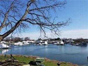 Photo of 20 Shady Glen Court, New Rochelle, NY 10805 (MLS # 4749810)