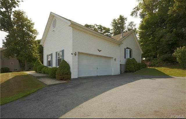 Photo of 20 Valley Court, Florida, NY 10921 (MLS # 5115821)