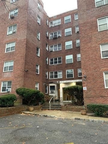Photo of 1234 Midland Avenue #2G, Yonkers, NY 10709 (MLS # 5124842)