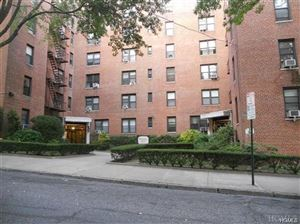 Photo of 2 Windsor Terrace #5A, White Plains, NY 10601 (MLS # 4900859)