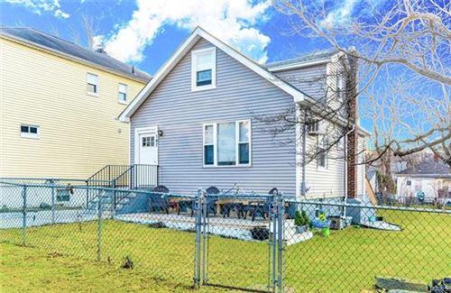 Photo of 147 Belknap Avenue, Yonkers, NY 10710 (MLS # 6004869)