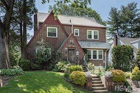 Photo of 481 Carol Place, Pelham, NY 10803 (MLS # 4819904)