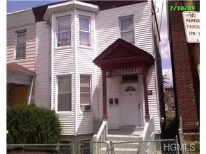Photo of 59 Chestnut Street, Yonkers, NY 10701 (MLS # 4423948)