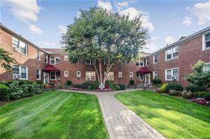 Photo of 10 Bryant Crescent #2I, White Plains, NY 10605 (MLS # 5058952)