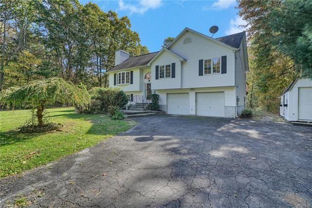 Photo of 11 Ulster Terrace, Wallkill, NY 12589 (MLS # 5102960)