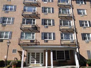 Photo of 4 Consulate Drive, Tuckahoe, NY 10707 (MLS # 4848997)