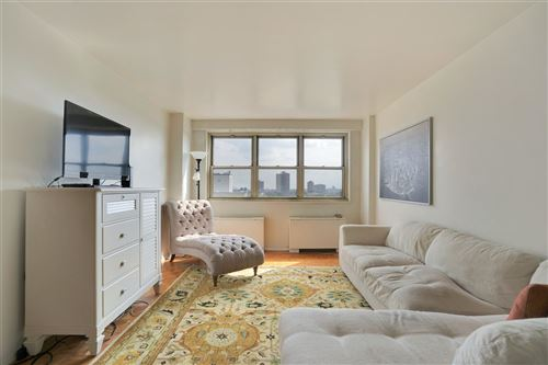 Photo of 7100 BLVD EAST #10K, West New York, NJ 07093 (MLS # 202016040)