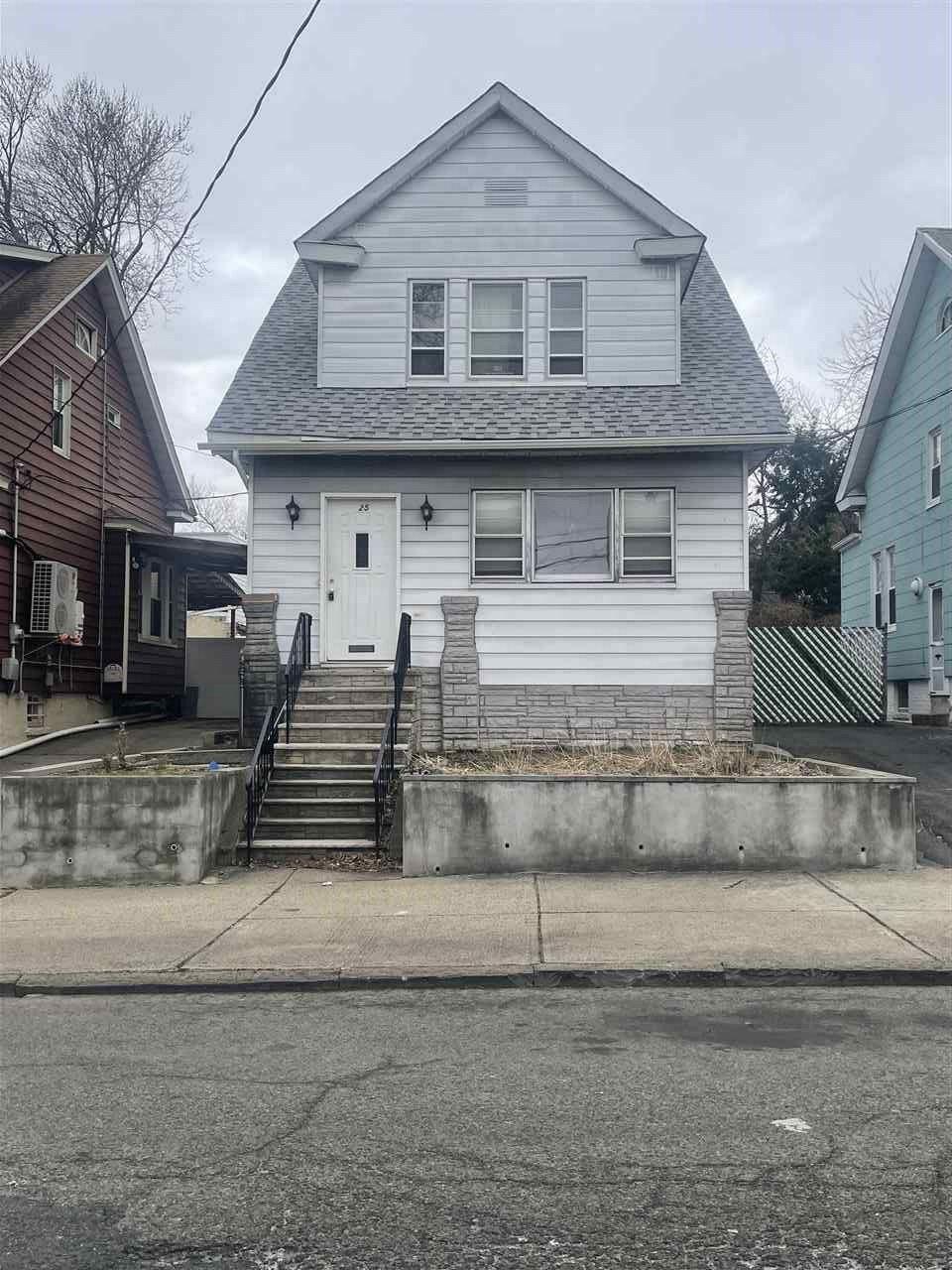 25 NEPTUNE AVE, Jersey City, NJ 07305 - #: 210007042