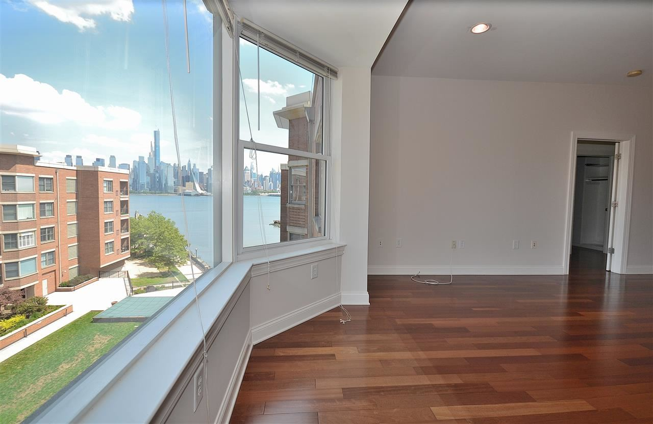 22 AVENUE AT PORT IMPERIAL #521, West New York, NJ 07093 - MLS#: 202001047