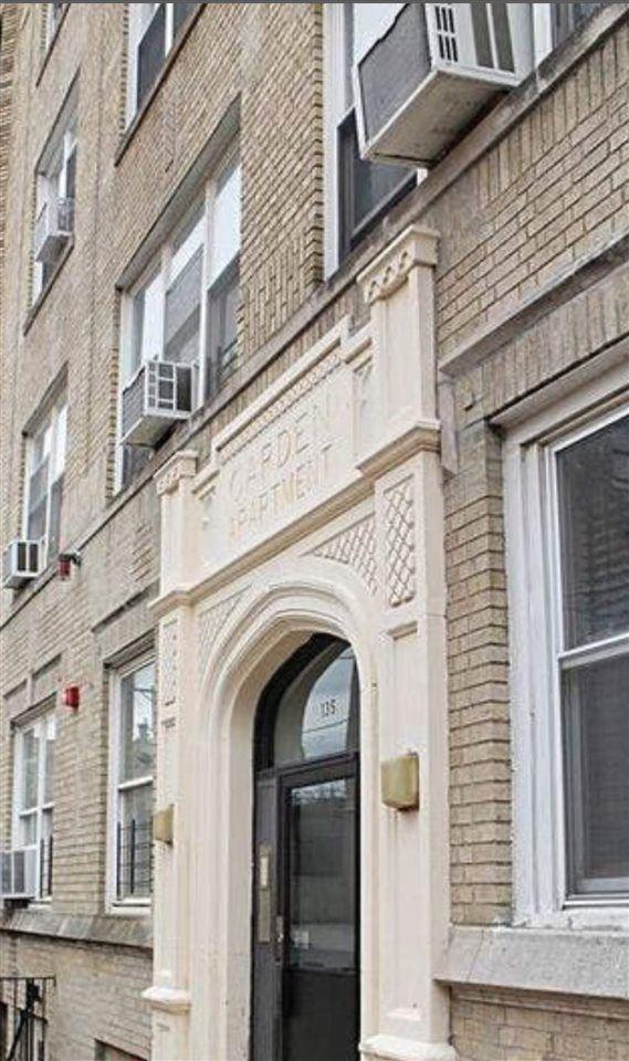 135 VAN WAGENEN AVE #2C, Jersey City, NJ 07306 - MLS#: 202004436