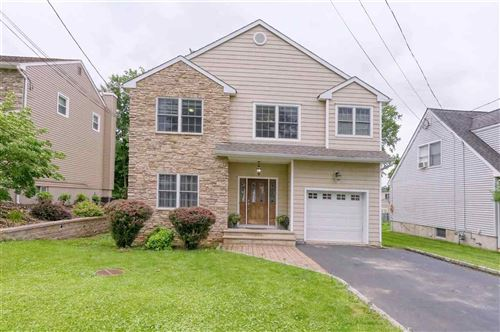 Photo of 233 LINCOLN ST, BERKELEY HEIGHTS Township, NJ 07922 (MLS # 210014569)