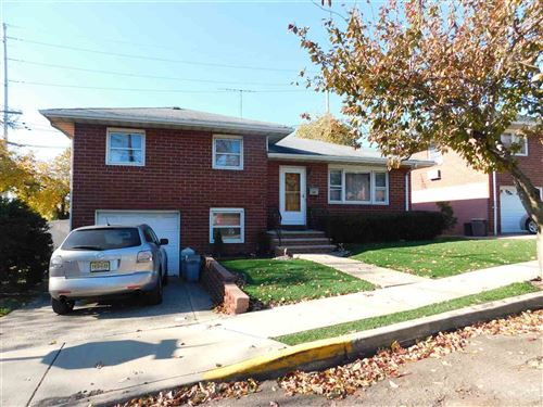 Photo of 30 PIKEVIEW TERRACE, Secaucus, NJ 07094 (MLS # 190022594)