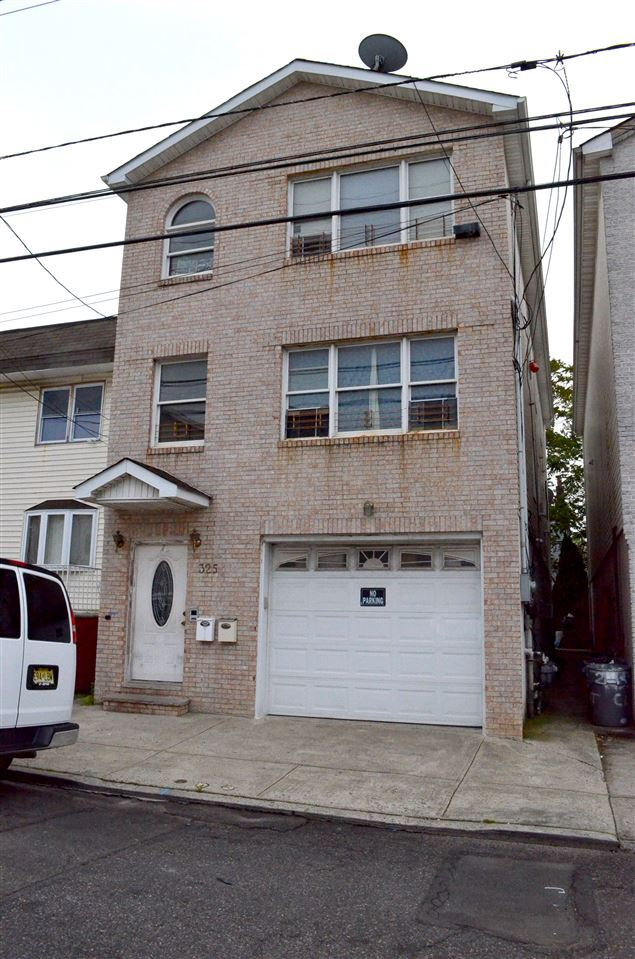 325 CLAREMONT AVE, Jersey City, NJ 07305 - MLS#: 202004666