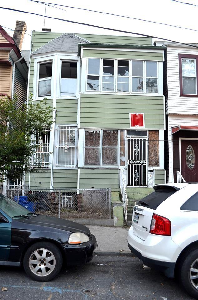 18 MCDOUGAL ST, Jersey City, NJ 07304 - #: 190020703