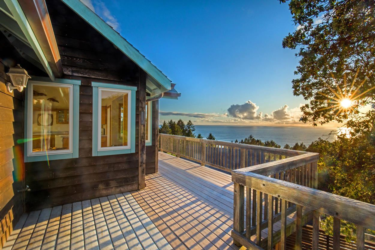 533 Seafoam Road, Shelter Cove, CA 95589 - MLS#: 258965