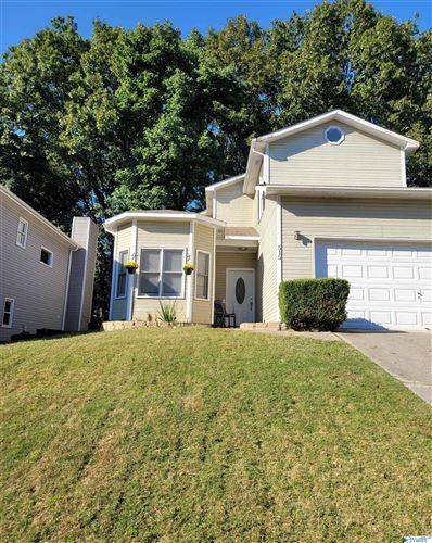 Photo of 515 Carrsbrook Road, Huntsville, AL 35803 (MLS # 1787001)