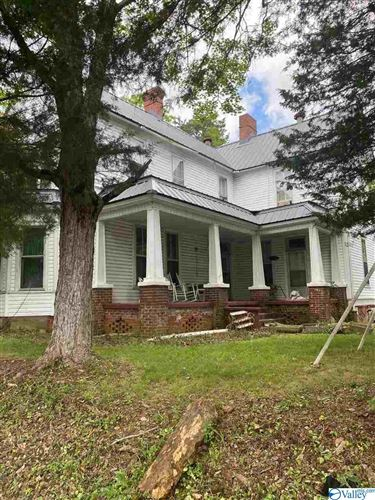 Photo of 701 GREEN AVENUE N, RUSSELLVILLE, AL 35653 (MLS # 1144167)