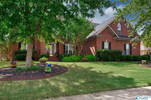 Photo of 16 GATEHOUSE COURT, MADISON, AL 35758 (MLS # 1150186)