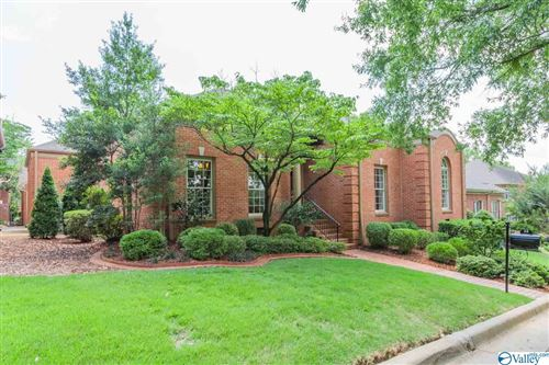 Photo of 38 SAINT CHARLES SQUARE, HUNTSVILLE, AL 35801 (MLS # 1150297)