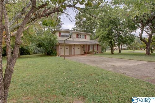 Photo of 2100 CHADBURN DRIVE SW, HUNTSVILLE, AL 35803 (MLS # 1153312)