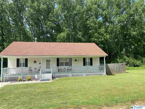 Photo of 15 NICKI LANE, ARAB, AL 35016 (MLS # 1144363)