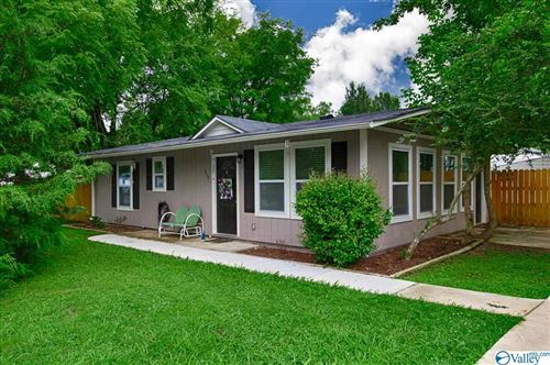 Photo of 1719 OAKWOOD AVENUE, HUNTSVILLE, AL 35811 (MLS # 1147400)