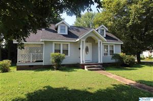 Photo of 803 W PRYOR STREET, ATHENS, AL 35611 (MLS # 1125448)