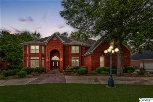 Photo of 2924 Honors Row SE, Hampton Cove, AL 35763 (MLS # 1149456)