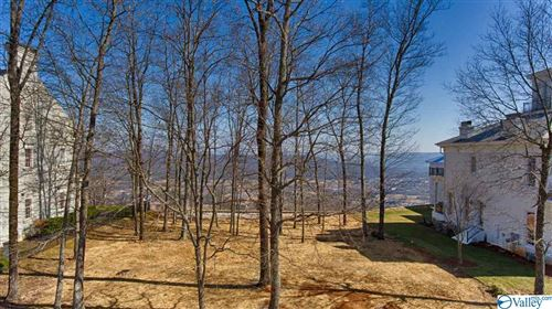 Photo of 23 Ledge View Drive SE, Huntsville, AL 35802 (MLS # 1775499)