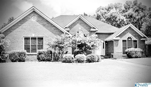 Photo of 2902 Winfrey Drive SW, Decatur, AL 35603 (MLS # 1787525)