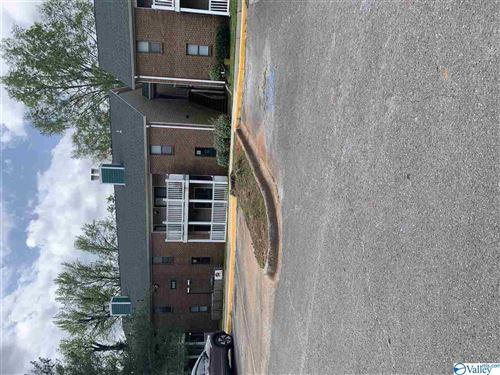 Photo of 6601 Willow Pointe Drive NW #E, Huntsville, AL 35806 (MLS # 1778568)